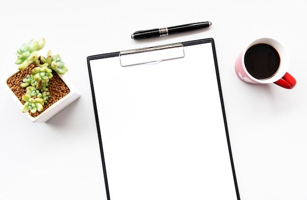 Draufsicht auf leeres papier