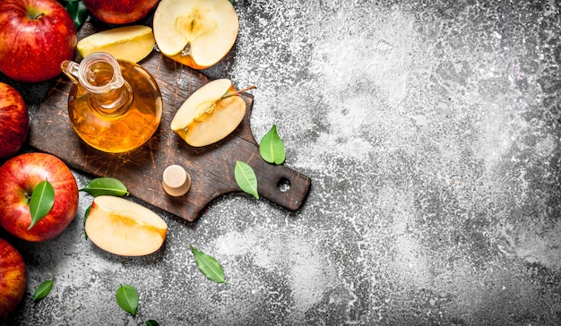 Draufsicht auf reife, schöne und köstliche äpfel