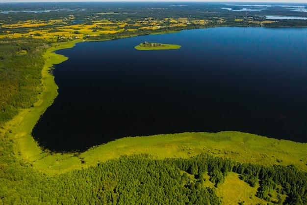 Draufsicht auf see drivyaty im nationalpark braslav seen