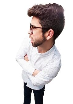Draufsicht auf teenager mit hemd und brille