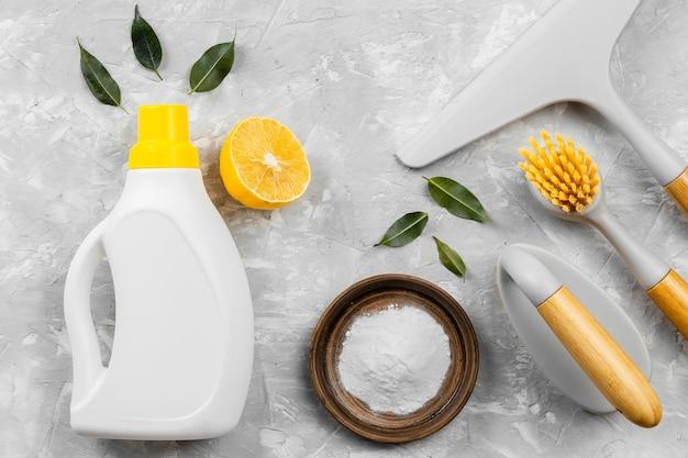 Draufsicht auf umweltfreundliche reinigungsprodukte
