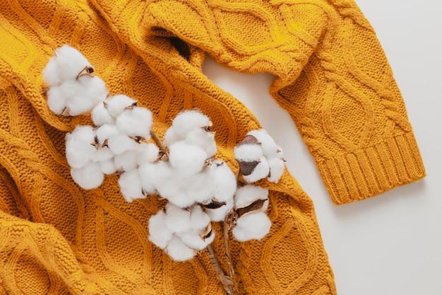 Draufsicht baumwolle auf pullover