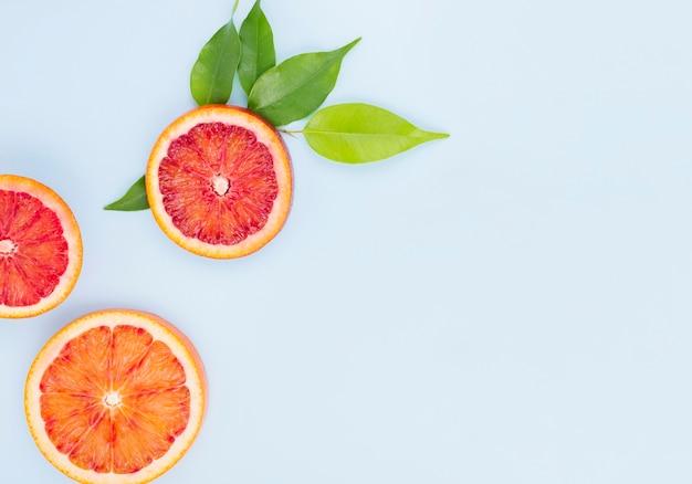 Draufsicht bio-grapefruits mit kopierraum