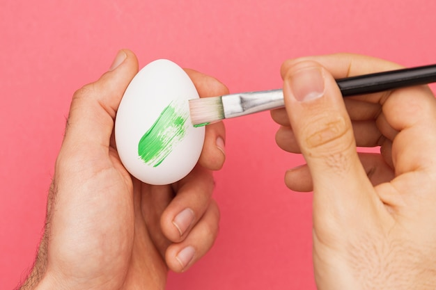 Draufsicht, der eierprozess malt