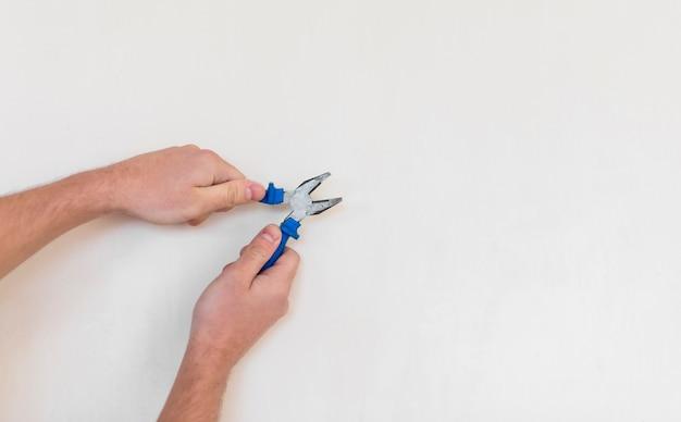Draufsicht der hand arbeitsgerät halten