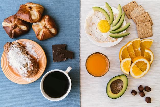 Draufsicht der köstlichen frühstückszusammenstellung