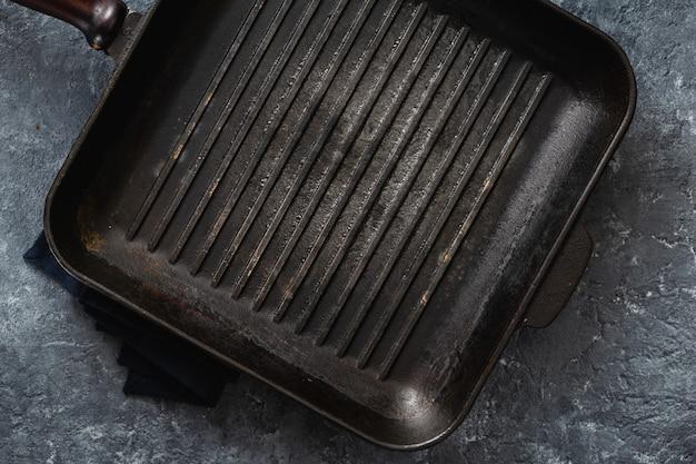 Draufsicht der leeren kochenden grillwanne