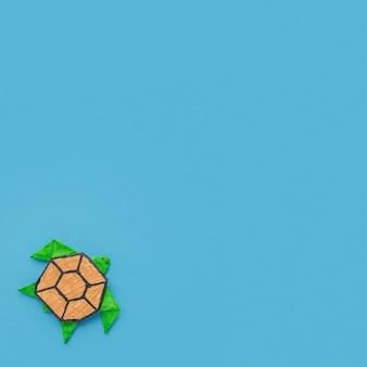 Draufsicht der papierschildkröte mit kopienraum für tiertag
