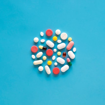 Draufsicht der vielzahl von pillen in kreisform