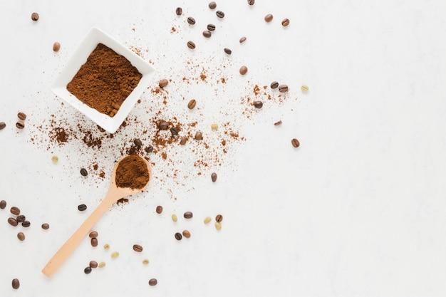 Draufsicht des gemahlenen kaffees