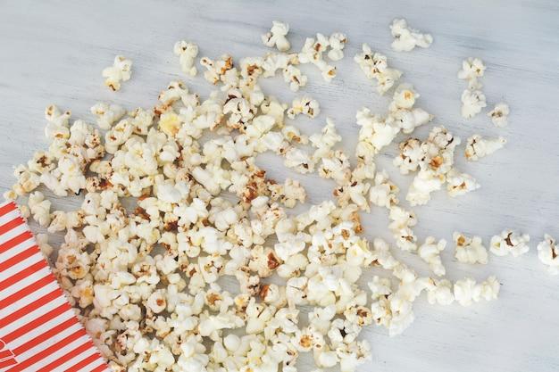 Draufsicht des geschmackvollen popcorns