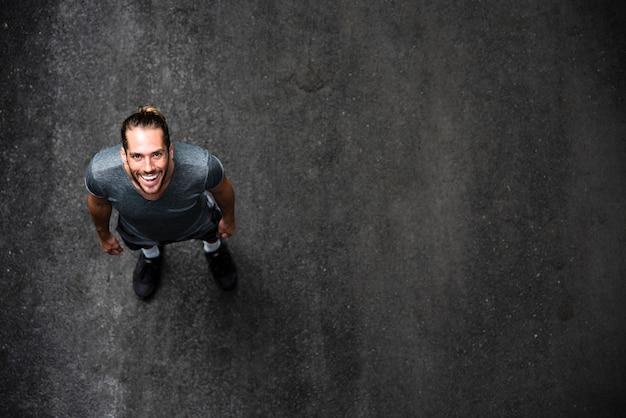 Draufsicht des läufers mit kopienraum