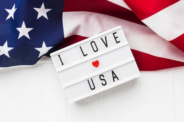 Draufsicht des leuchtkastens mit amerikanischer flagge