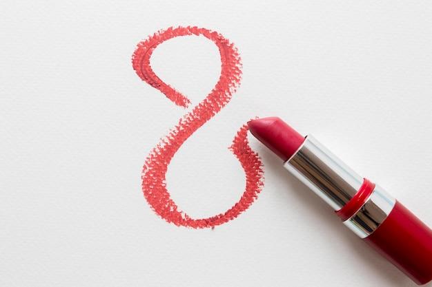 Draufsicht des lippenstifts für frauentag
