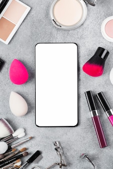 Draufsicht des make-up auf schreibtischkonzept mit kopierraum