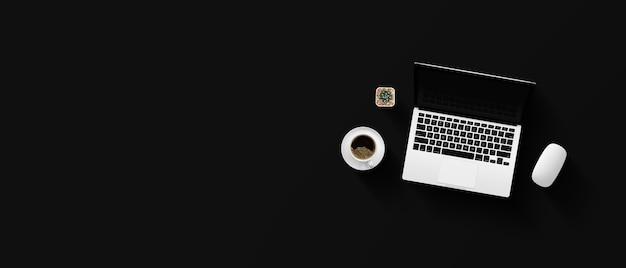 Draufsicht des schreibtischarbeitsplatzes mit kaffeetasse und laptop auf schwarzem tisch