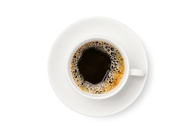 Draufsicht des schwarzen kaffees in der weißen tasse