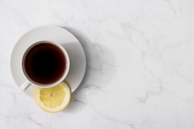 Draufsicht des tees in der tasse