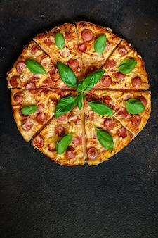 Draufsicht einer leckeren pizza