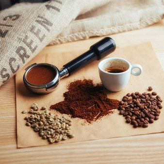 Draufsicht einer tasse kaffee drei verschiedene sorten