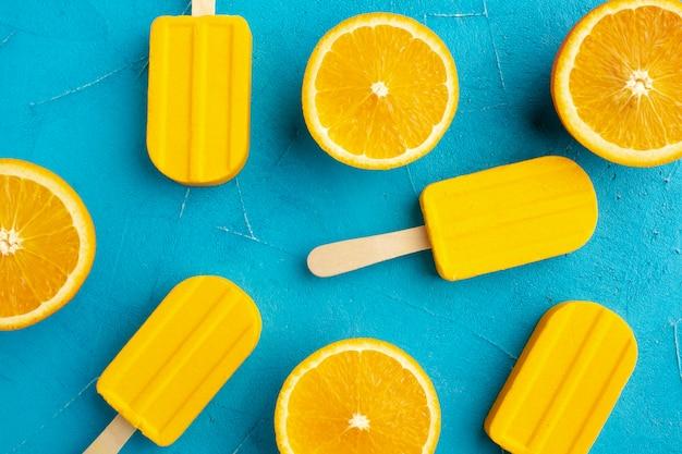 Draufsicht-eis mit orangengeschmack