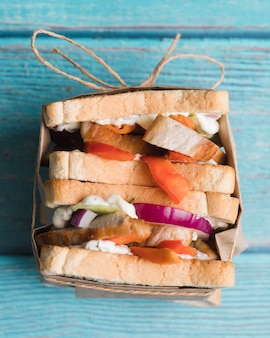 Draufsicht frisches sandwich auf tisch
