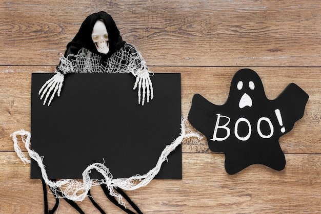 Draufsicht gruseliges halloween-kostüm