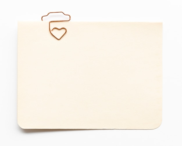 Draufsicht-grußkarte mit haken in herzform
