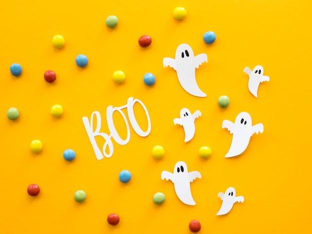 Draufsicht halloween-konzept mit süßigkeiten