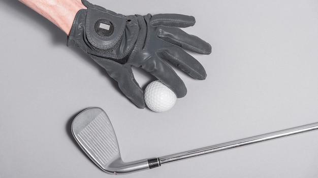 Draufsicht hand mit golfball
