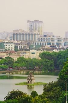 Draufsicht hanois vietnam von hoan kiem lake, schildkrötenturm.