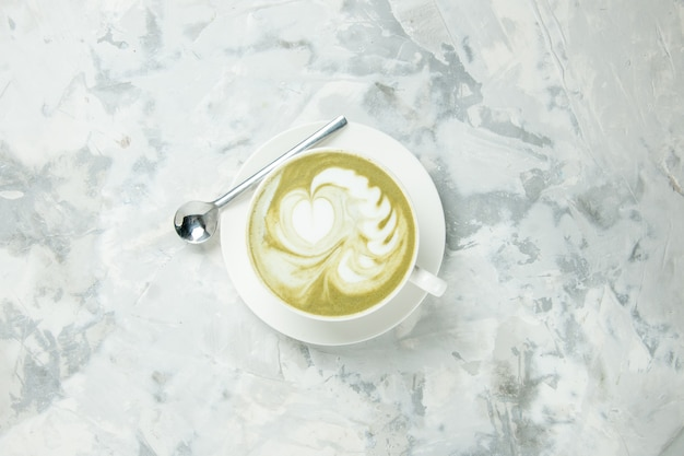 Draufsicht köstlicher espresso tasse kaffee auf weißem hintergrund dessert tee keks kuchen keks süßer americano capuccino