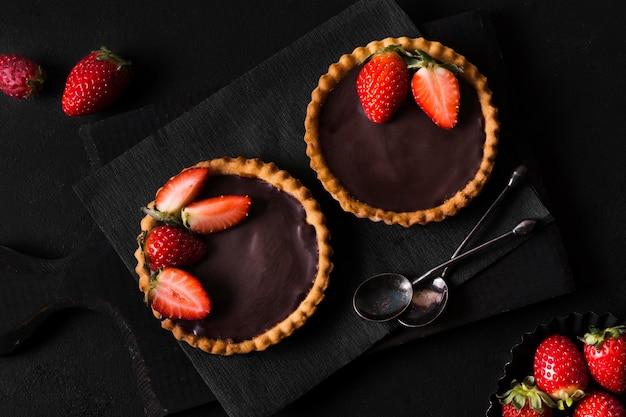 Draufsicht köstliches dessert bereit, serviert zu werden