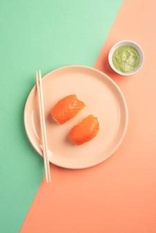 Draufsicht köstliches sushi-arrangement