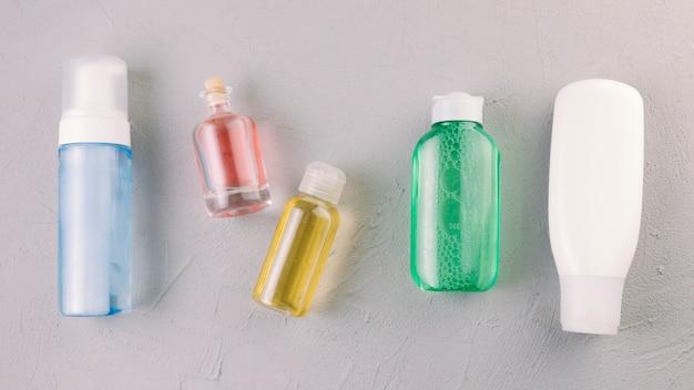 Draufsicht kosmetikflaschen