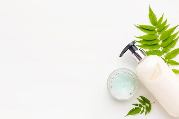 Draufsicht kosmetikprodukte mit kopierraum