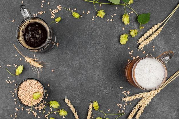 Draufsicht kreisförmiger rahmen mit bier