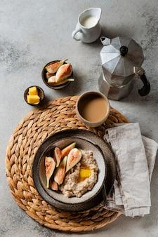 Draufsicht leckeres frühstückssortiment