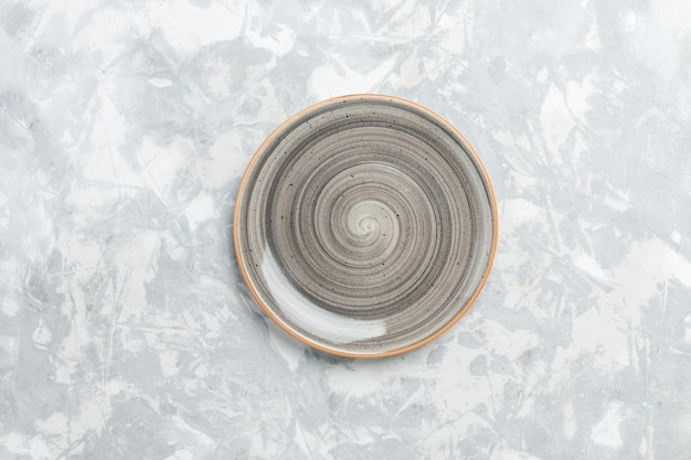 Draufsicht leere runde platte grau ed auf weißer oberfläche
