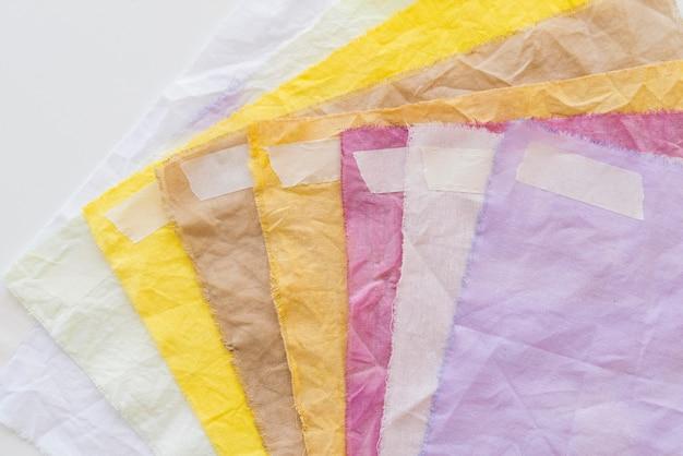 Draufsicht natürliche pigmentierte tuchpackung