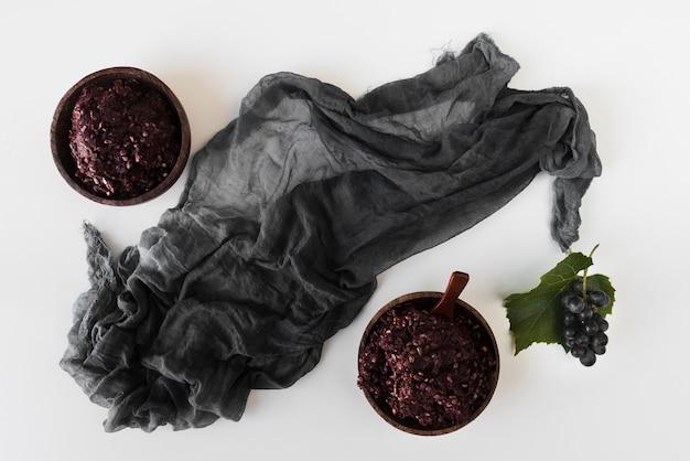 Draufsicht natürliche pigmentzusammensetzung hergestellt mit rohen elementen