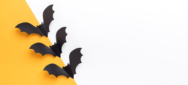 Draufsicht papierfledermausdekorationen für halloween