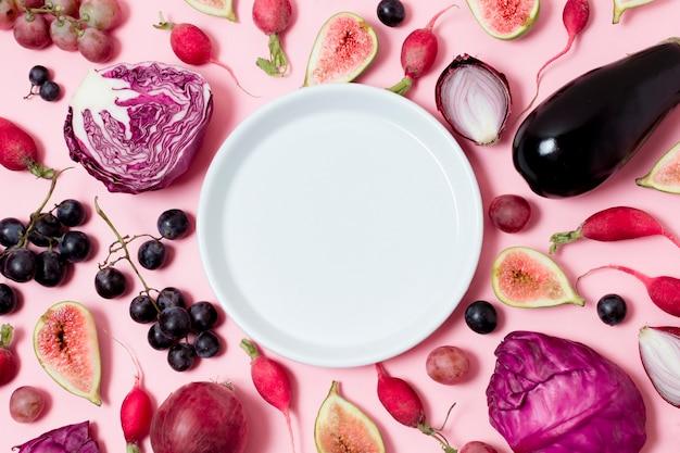 Draufsicht sortiment von obst und gemüse