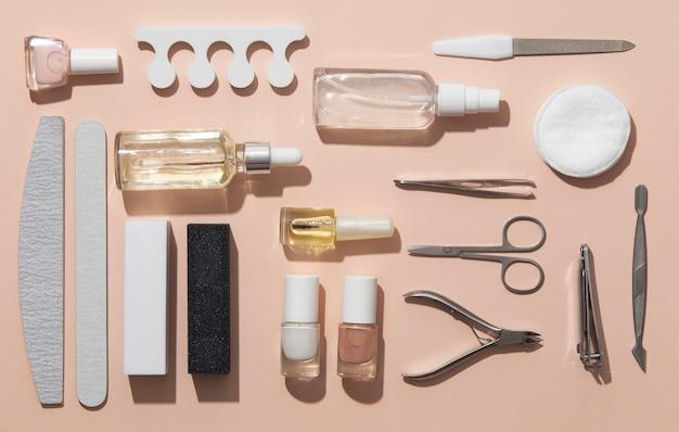 Draufsicht stillleben-sortiment von nagelpflegeprodukten