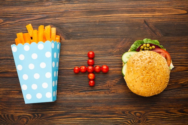 Draufsicht vegan fast food
