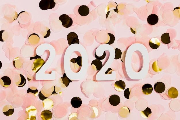 Draufsicht von konfettis an der party der neuen jahre