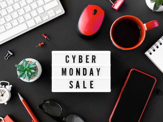 Draufsicht von leuchtkasten und kaffee für cyber-montag