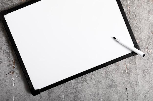 Draufsicht weiße tafel mit kopierraum