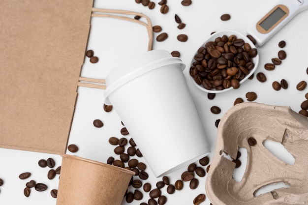 Draufsichtanordnung mit kaffeebohnen
