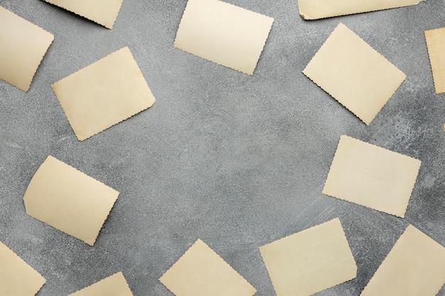 Draufsichtanordnung von altem papier